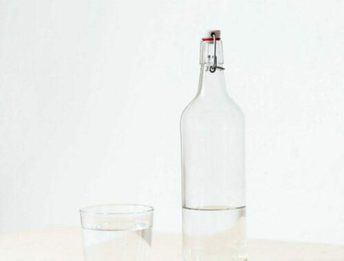 Hoeveel water mag een baby drinken