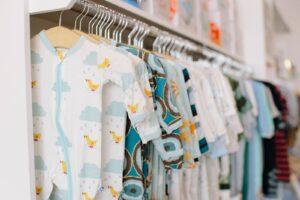 Welke kleding heb je nodig voor pasgeboren baby